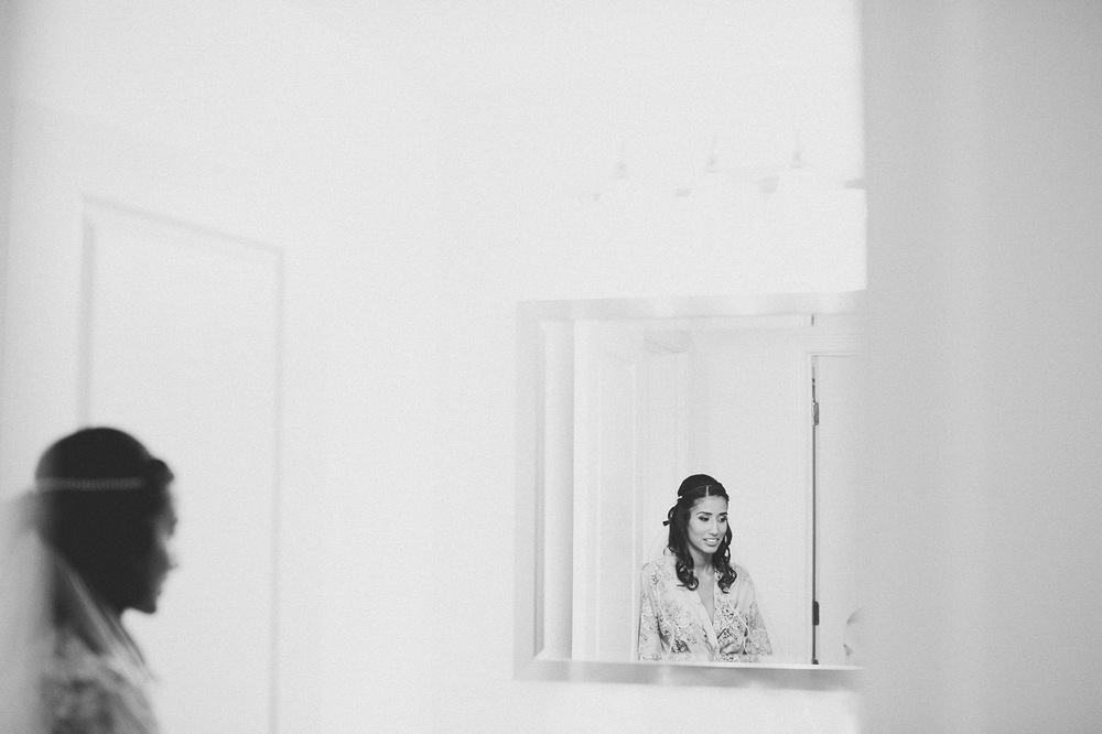 08-bridal-prep-mirror-photos.jpg