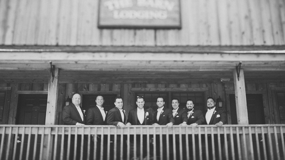 16-creative-groomsman-photos.jpg