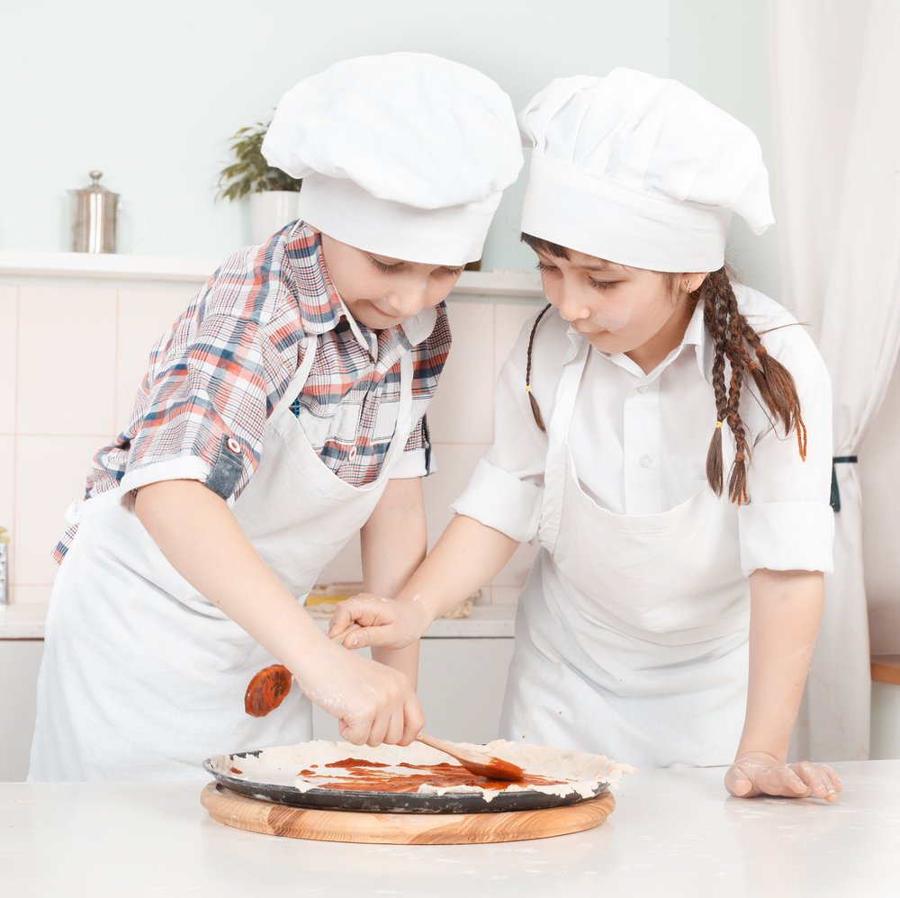 Kids Making Pizza.jpg