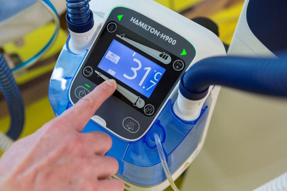 electronic-humidifiers-warming-75118-6823863.jpg