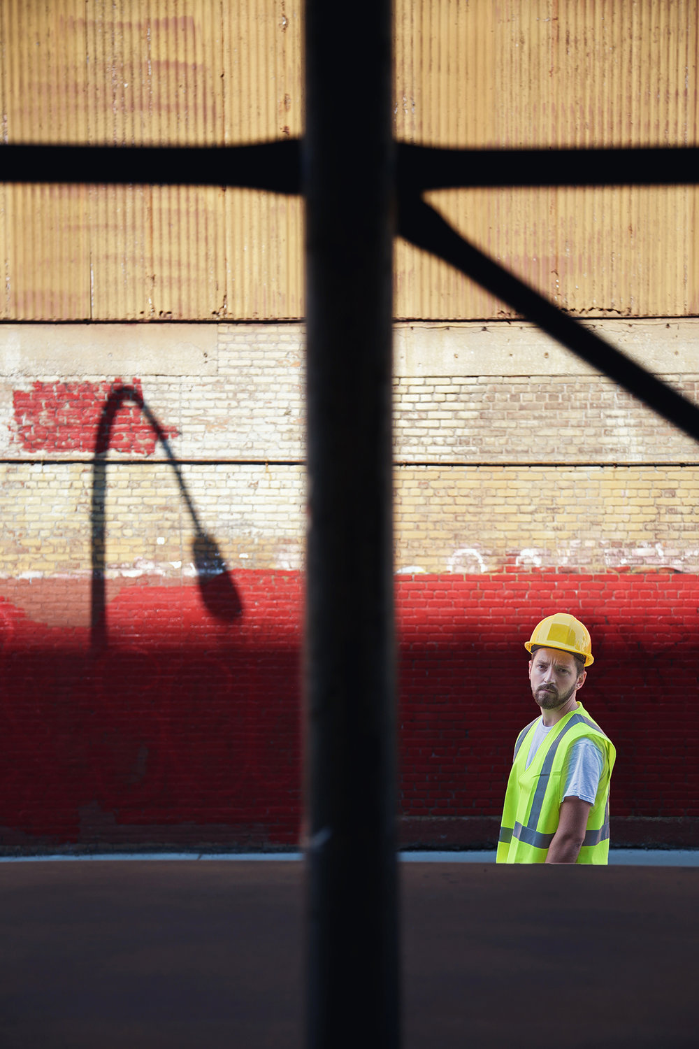 nyc - lampost and streetworker.jpg