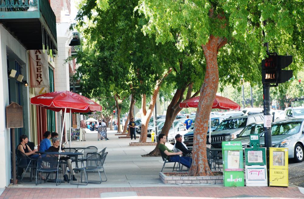 broad-street-sidewalk.jpg