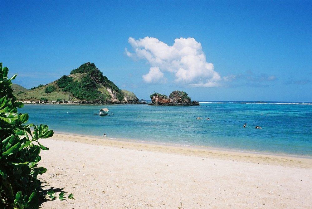 white-sand-beach.jpg