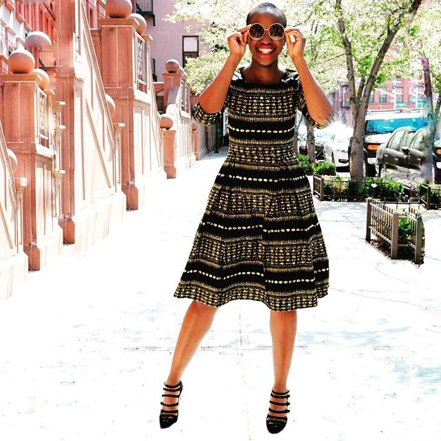 Thank you @_zina_a and @shopoasisnyc for the colorful #streetphotography of this gorgeous #newyorker wearing @ikuruproject. Go to link in bio to buy this gorgeous NLAPA dress in different prints. #womenempowerment #madeinafrica #handmadewithlove #ethicalfashion #newyorkfashion