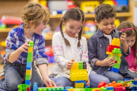 Building-Blocks-Together-in-Class-000090990833_Full.jpg