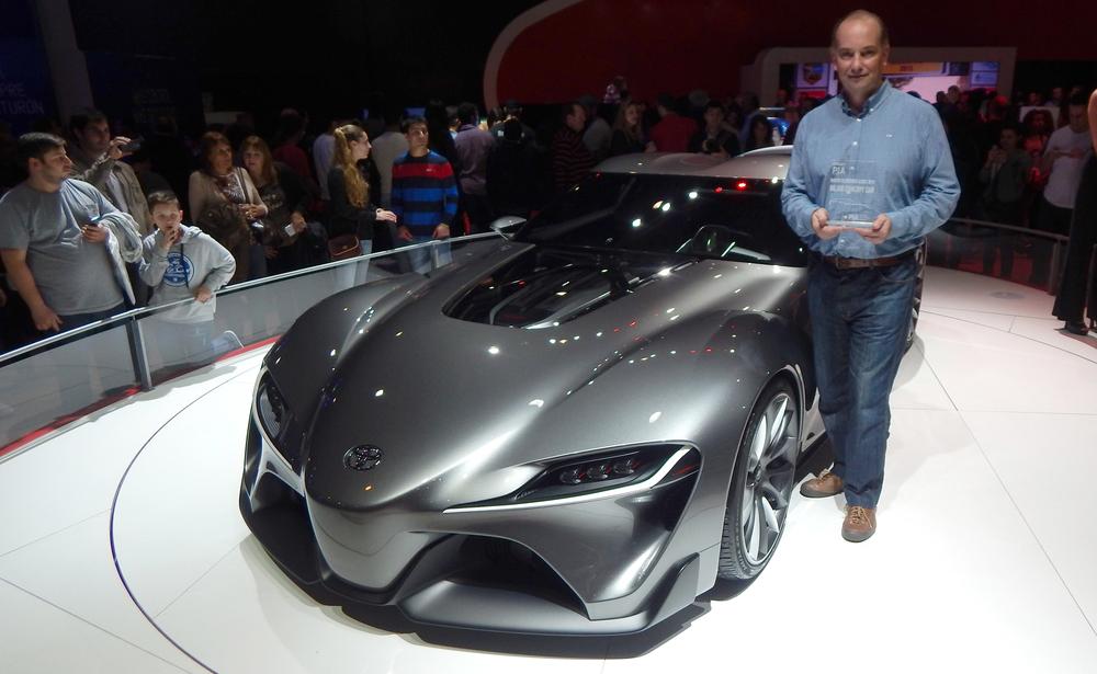 Premio PIA Toyota