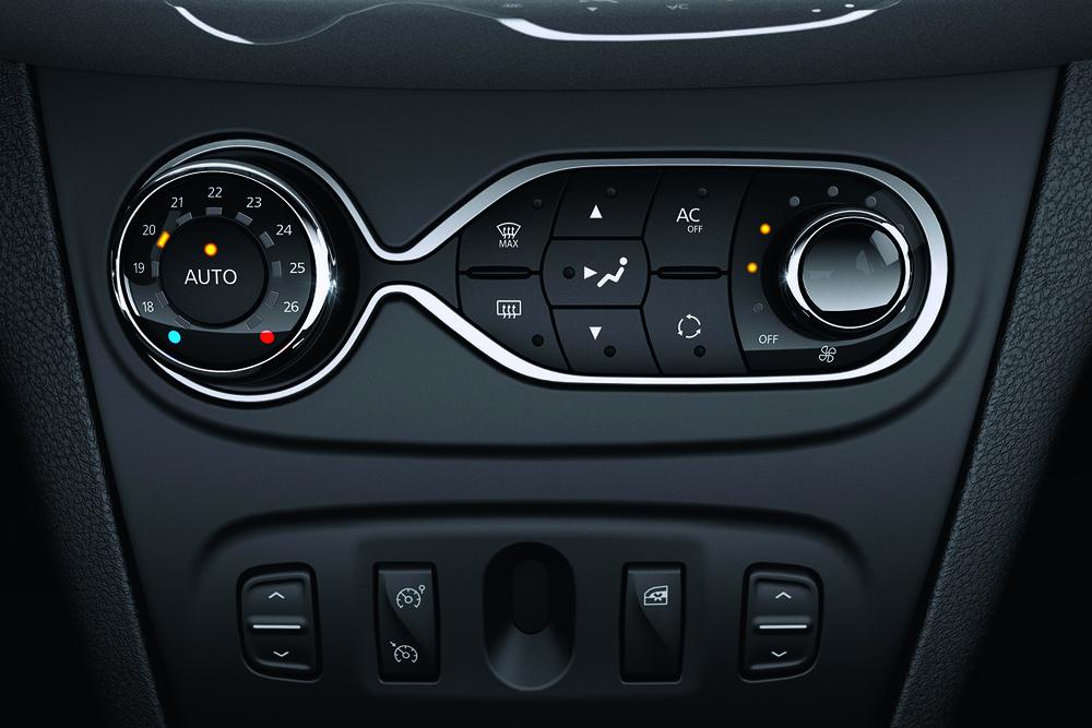Nuevo+Renault+Sandero+ +Interior+%282%29
