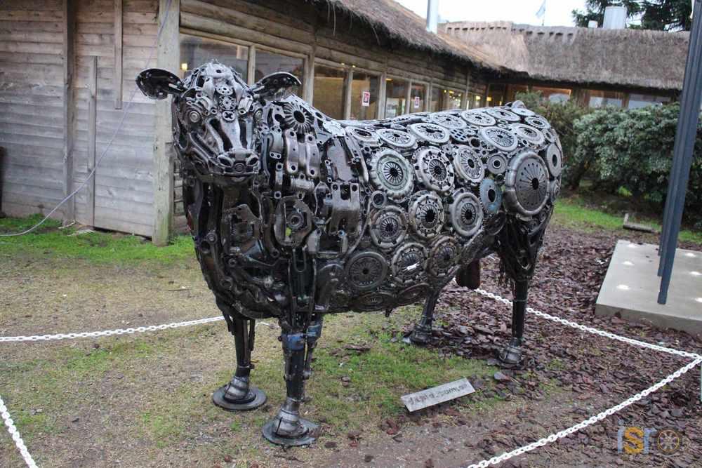 Y después dicen que las vacas no tienen nada que ver con los autos... ¡Cosa e'mandinga!
