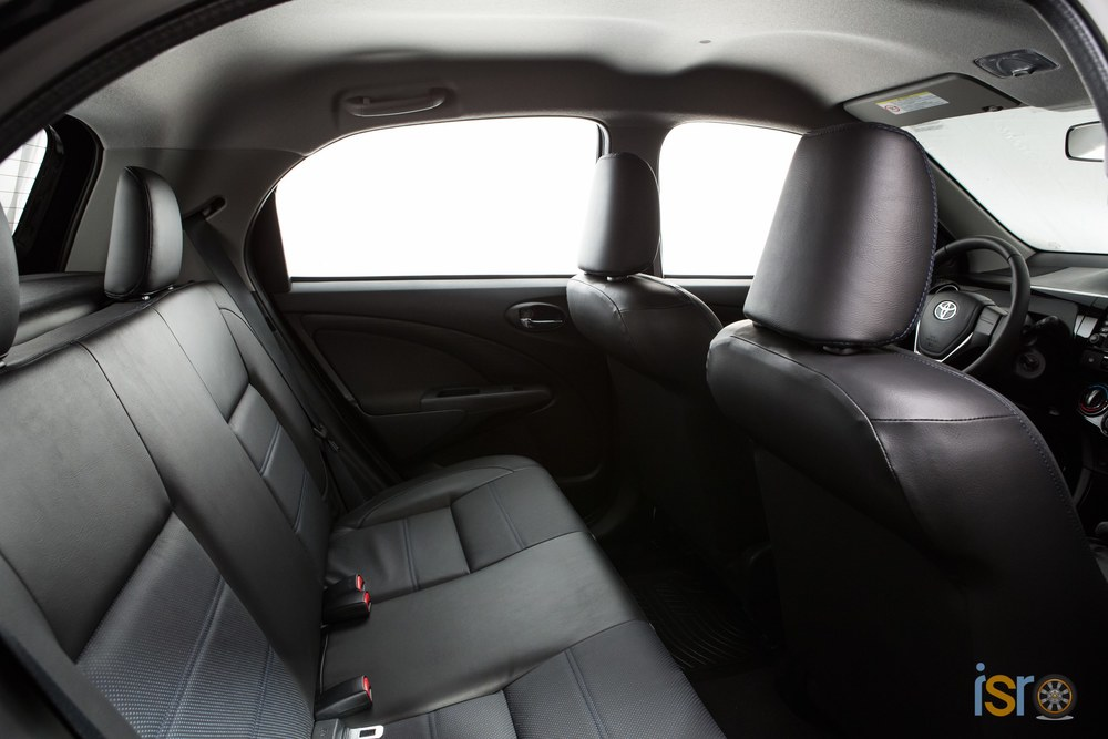 toyota etios platinum hatchback 6+%28A+WEB%29