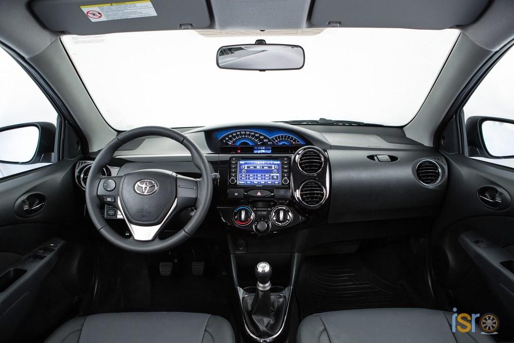 toyota etios platinum hatchback 8+%28A+WEB%29
