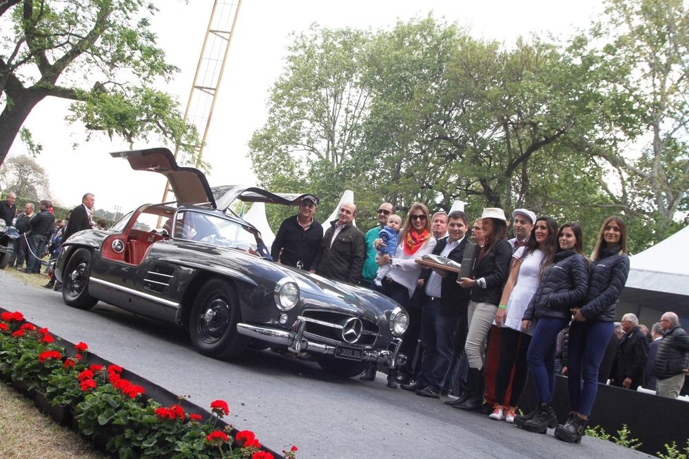Mercedes+Benz+300+SL+1955+fue+distinguido+con+el+mayor+premio+de+la+muestra+Best+of+Show+Autocl%C3%A1sica+2015+ 2