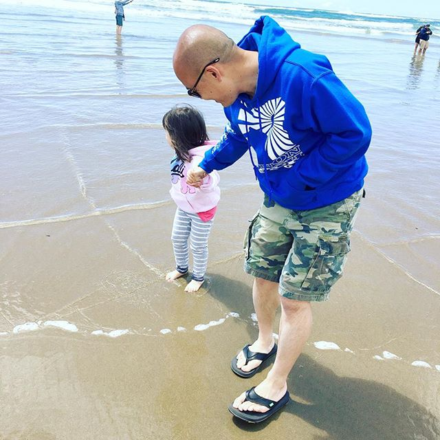 Take my hand, take my whole life too... 🎶🐬🐳🐋🐟❤️ #happyfathersday #fathersday #daddyslittlegirl