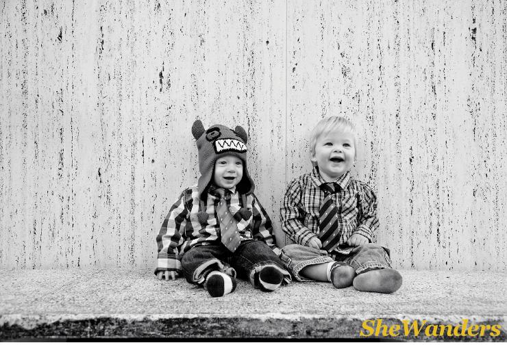 christmas kids sitting, San Diego Wedding Photography, SheWanders Wedding Photography