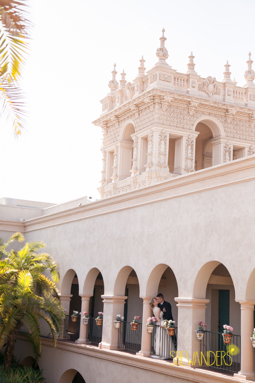 SHEWANDERS.weddings.2012102