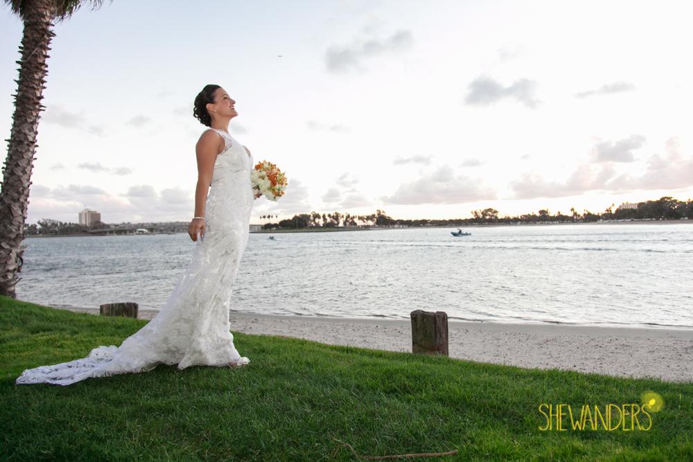 SHEWANDERS.weddings.2012106