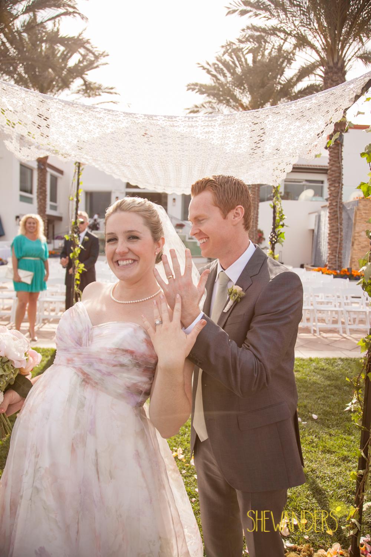 SHEWANDERS.weddings.2012116