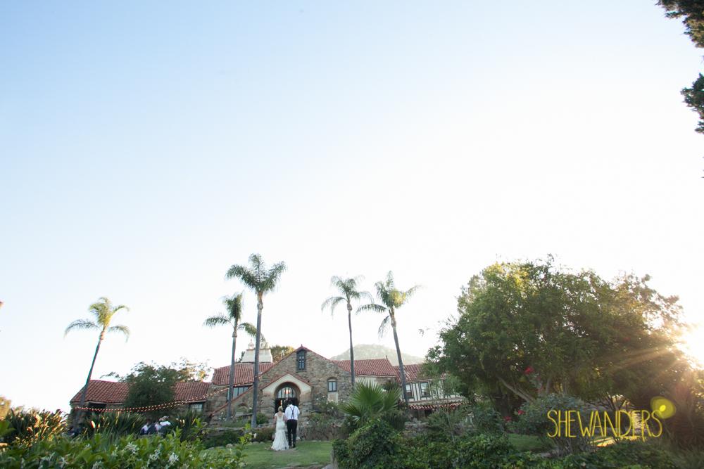 SHEWANDERS.weddings.2012155