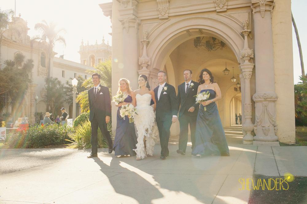 SHEWANDERS.weddings.2012162