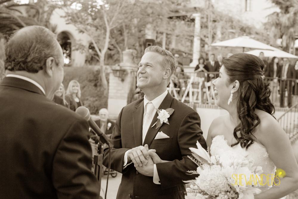 SHEWANDERS.weddings.2012175