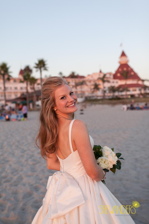 SHEWANDERS.weddings.2012187