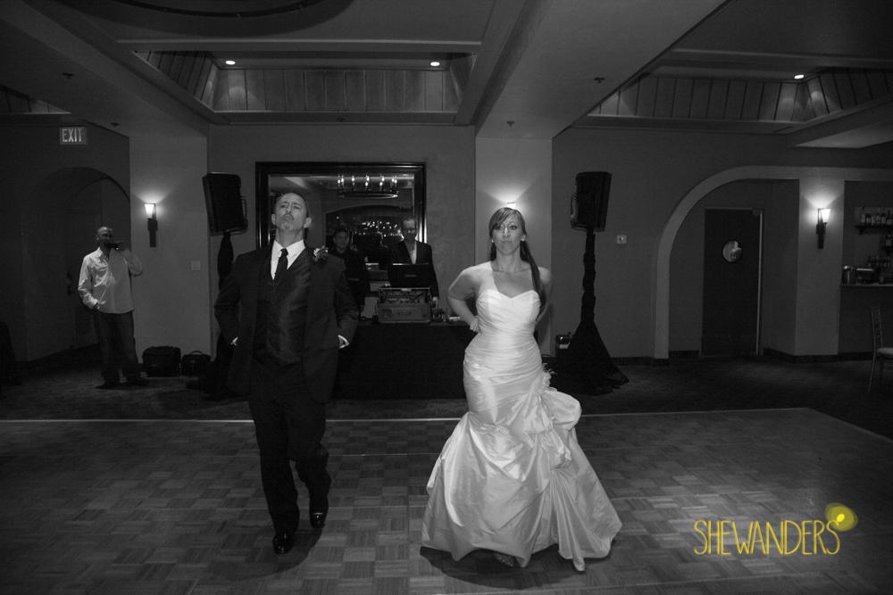 SHEWANDERS.weddings.2012195