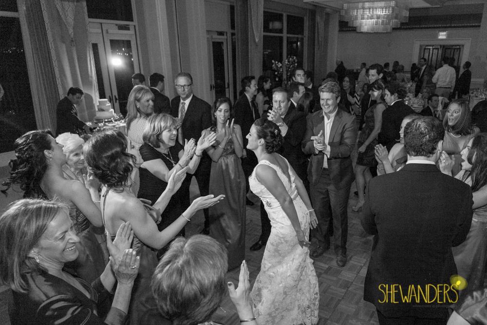 SHEWANDERS.weddings.2012199
