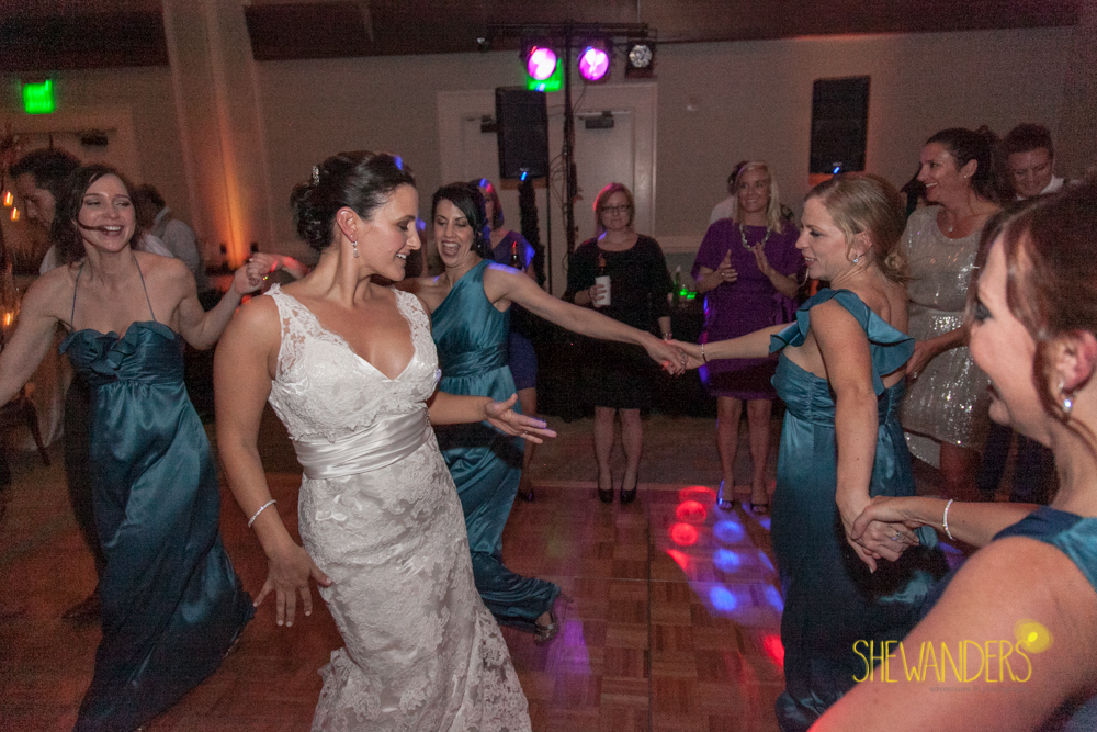 SHEWANDERS.weddings.2012204