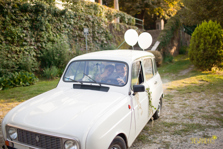 destination wedding, italy, shewanders, shewanders photography, green, outdoors, chapel, church, italian, getaway car