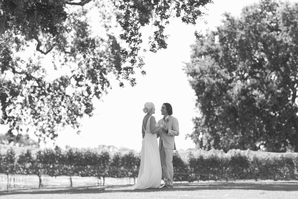 san.diego.wedding.photography.shewanders.julie.kurt060.jpg