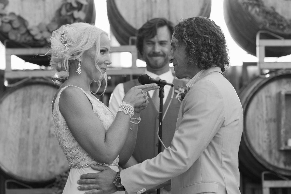 san.diego.wedding.photography.shewanders.julie.kurt078.jpg