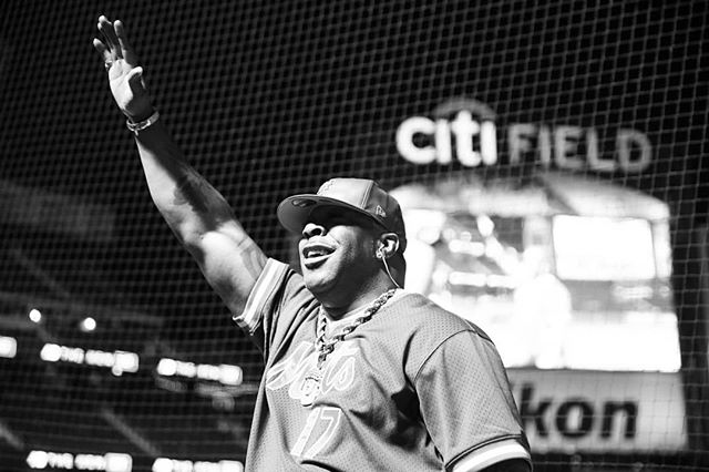 Post-game concert on the dugout w/@bustarhymes . . . #mlb2018 #bustarhymes #musicphotography #concertphotography #hiphop #mlbphotos #nyc #ig_nycity #nycprimeshot #usaprimeshot #ignewyork212 #agameoftones #ig_music