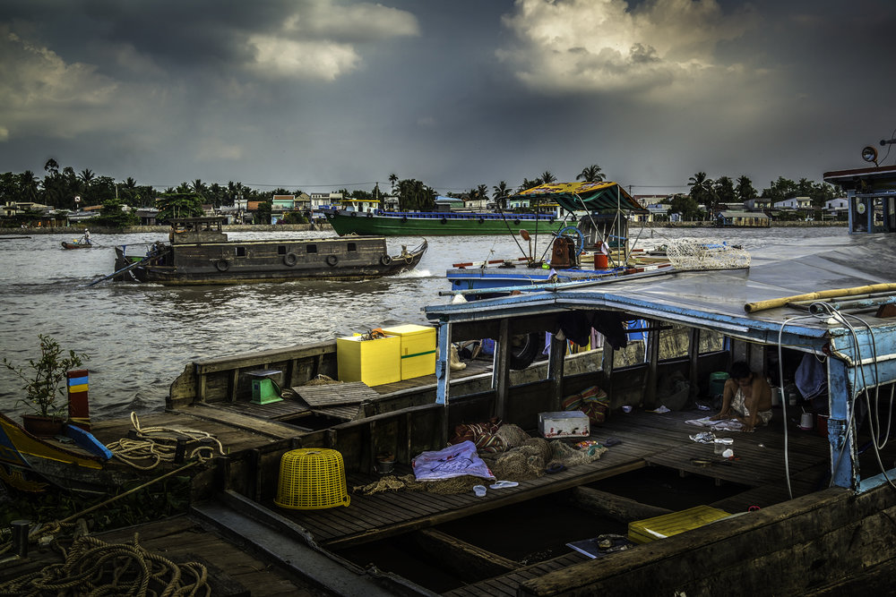 A hectic hours on Mekong River.