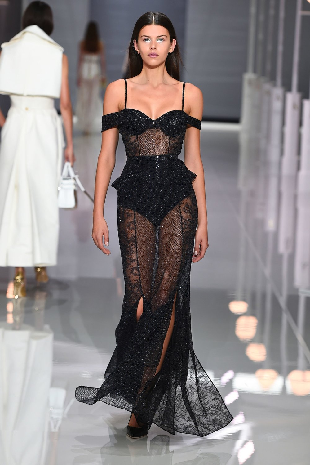 46-ralph-and-russo-ss18.jpg