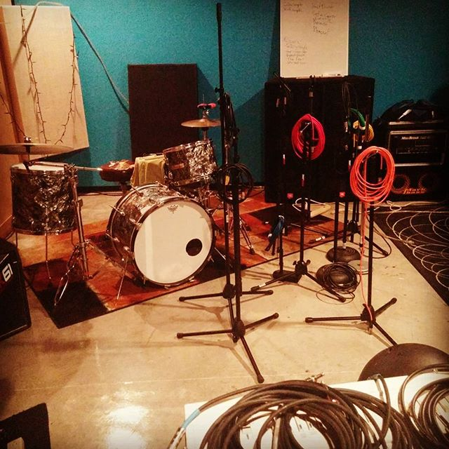 Cleaning up the studio... Starting to setup for some live recordings. #diyrecording #mermaidinchina