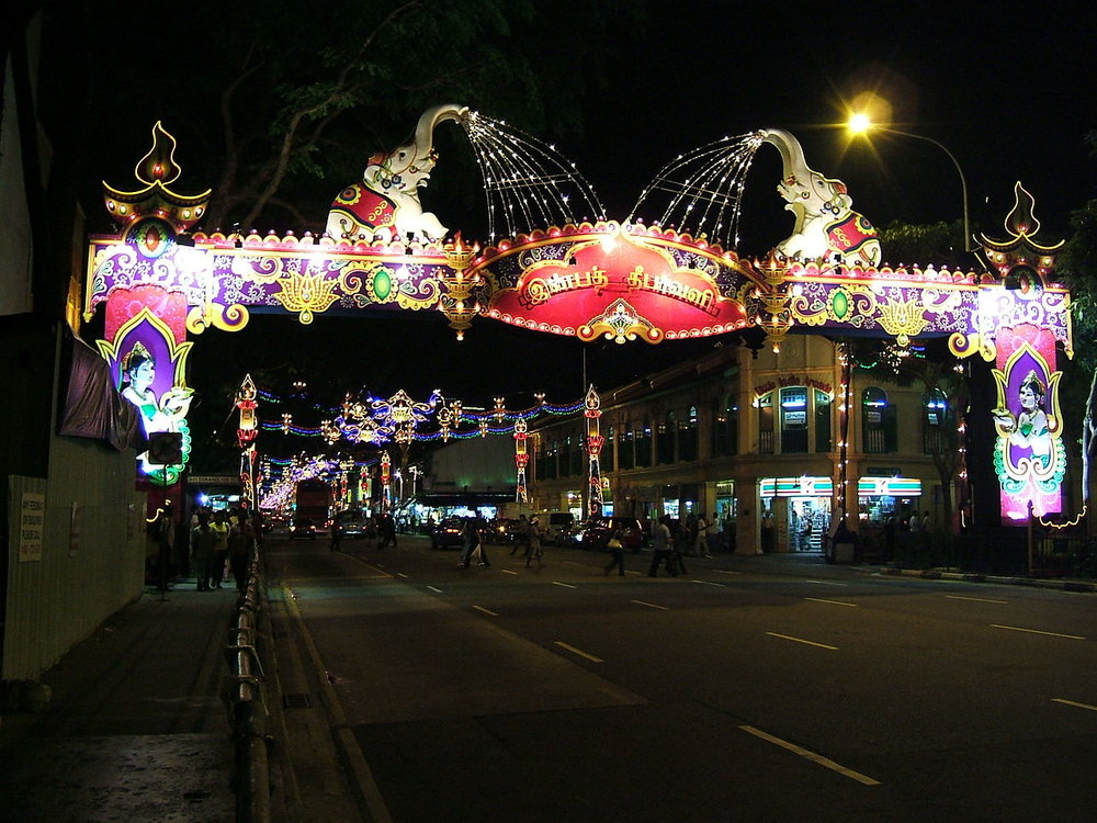 Singapore_Divali_Diwali_decorations_Little_India-_Serangoon_Road_2009.jpg
