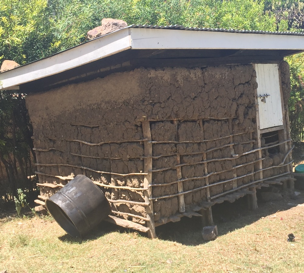 Storage space for maize. The structure is made of mud.