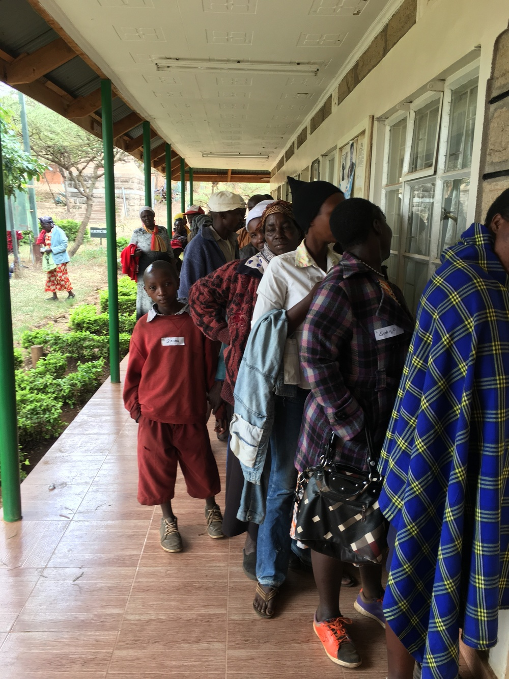 Patients lined up for Dr. Sidiqa