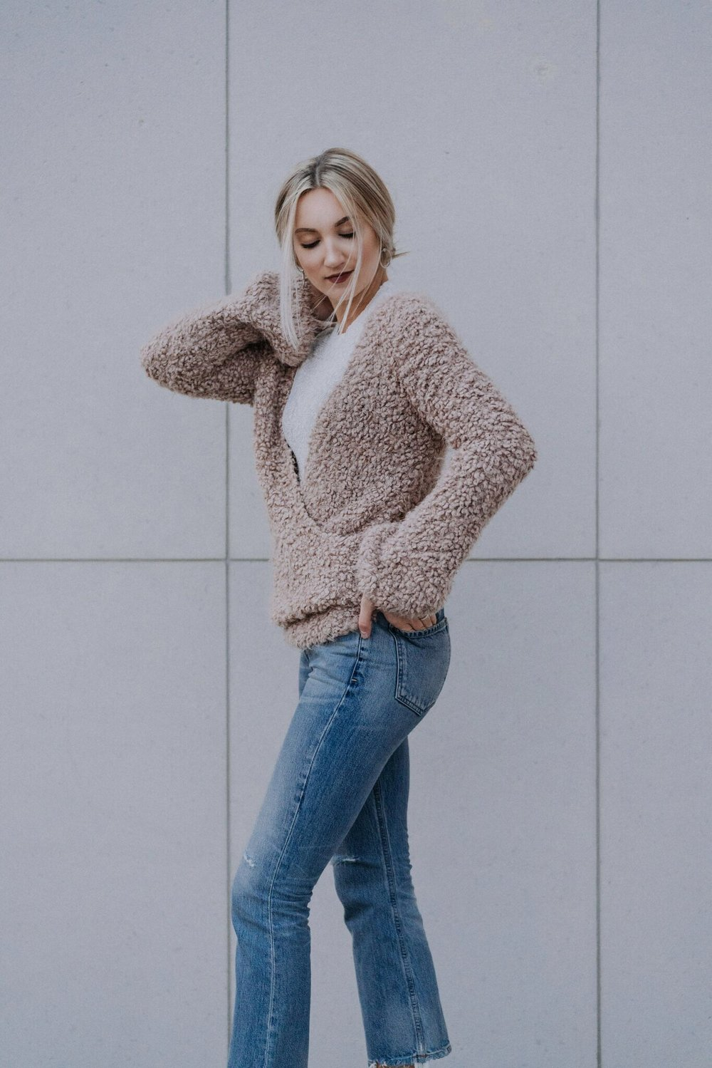 aritzia ootd brittany laurén brittanylaurens saskatoon fashion blog canada inspiration outfits fall citizens of humanity estella flare