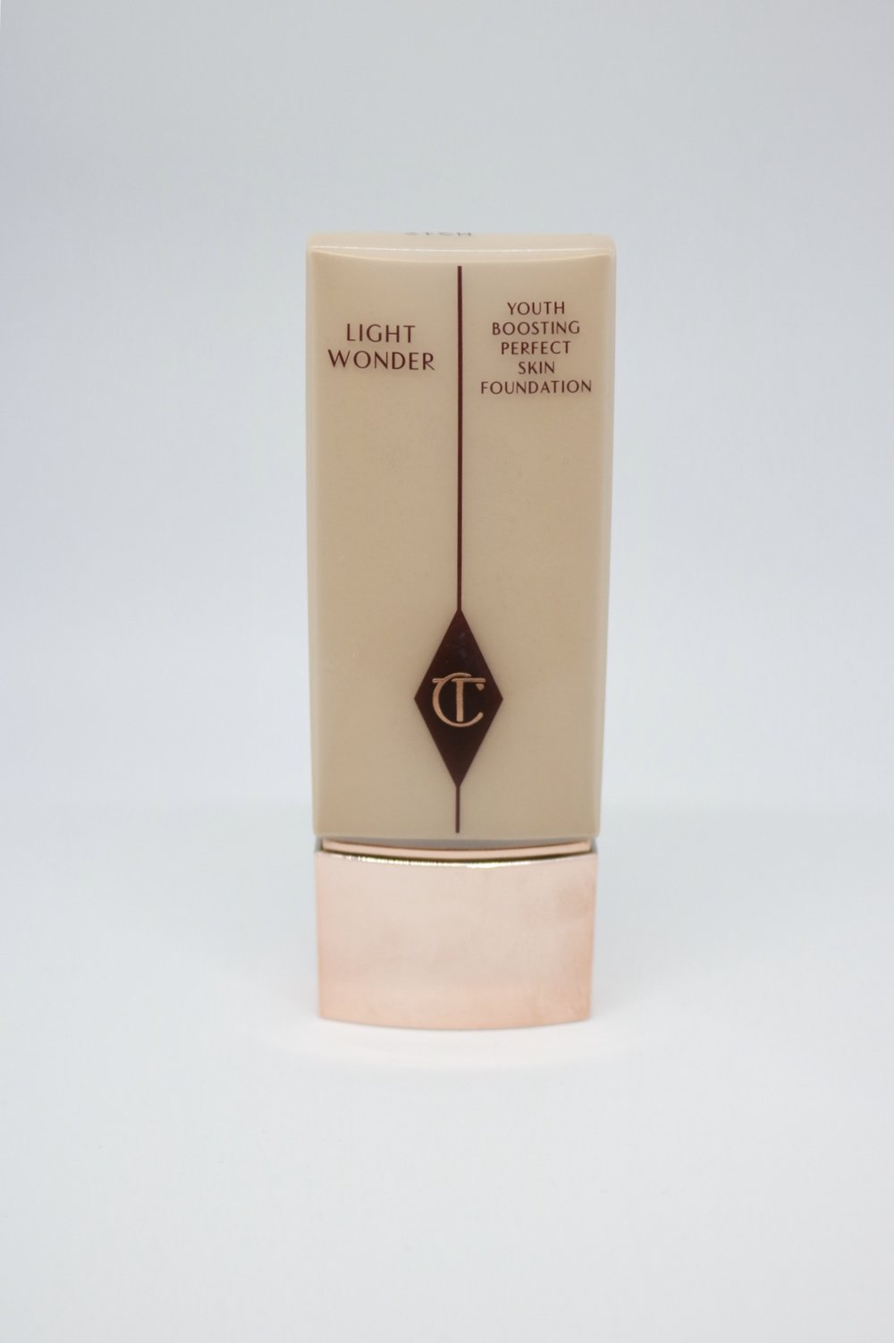 charlotte tilbury light wonder foundation brittany lauren brittanylaurens