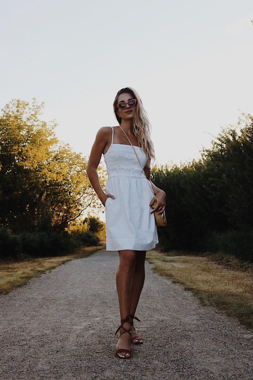 aritzia dress poplin white summer saskatoon saskatchewan blogger brittany lauren laurens brittanylaurens canada ootd steve madden