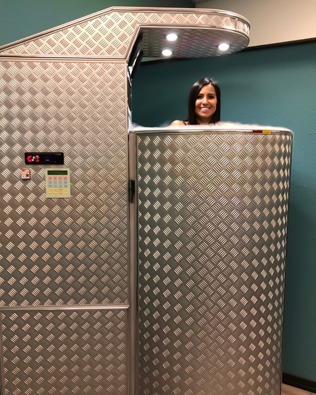 Did you know you can burn up to 800 calories per 3 minute session?! You can count us in for that! ❄️ . #cryotherapy #cryo #celsiuscryospa #facts #kellertx #ivhydration #normatec #wellness #medspa
