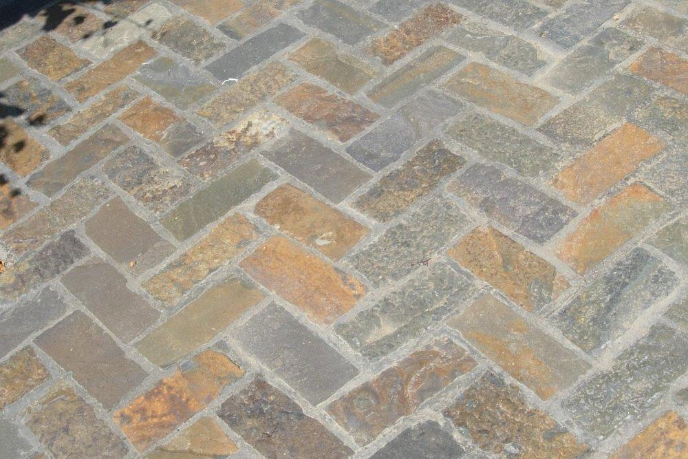 1-Alcove Paving Bricks.JPG