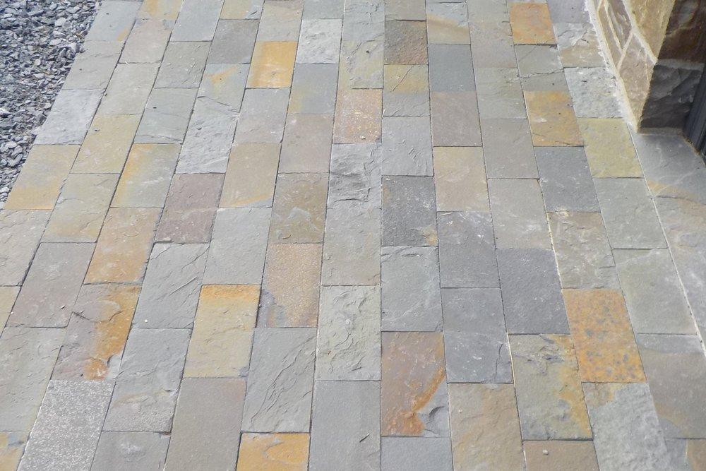 1-Alcove Sawn Edged Paving Block_Natural Cleft.JPG
