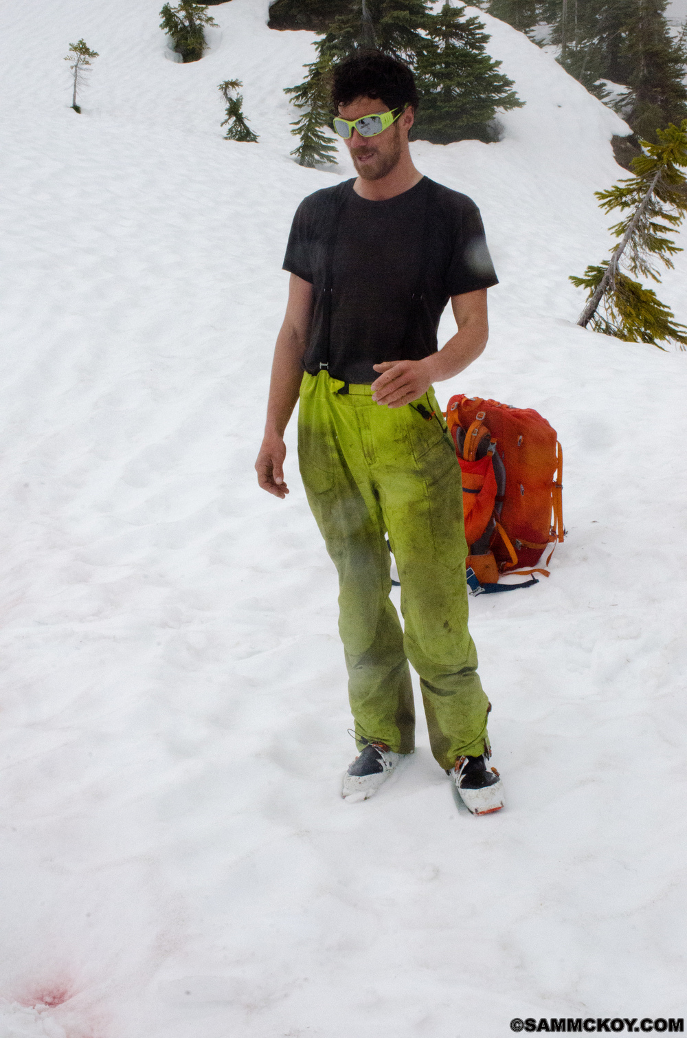 When we finally regain snow after crawling out of the valley, Steve's pants and expression say it all.