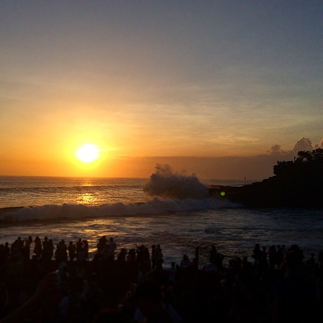 Happy Sunday! Beautiful #sunset at #tanahlot #bali #beach   #visualdiary