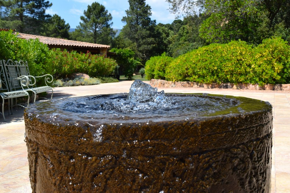 We install   WATER FEATURES    Our portfolio