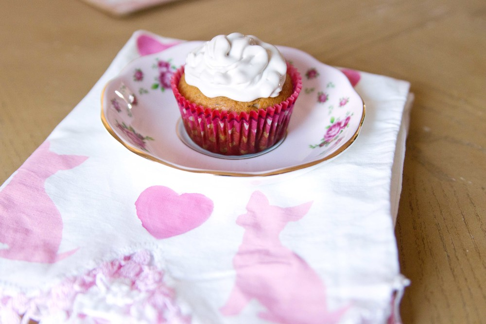 Peanut Butter Pupcakes with DIY dog breed tea towel