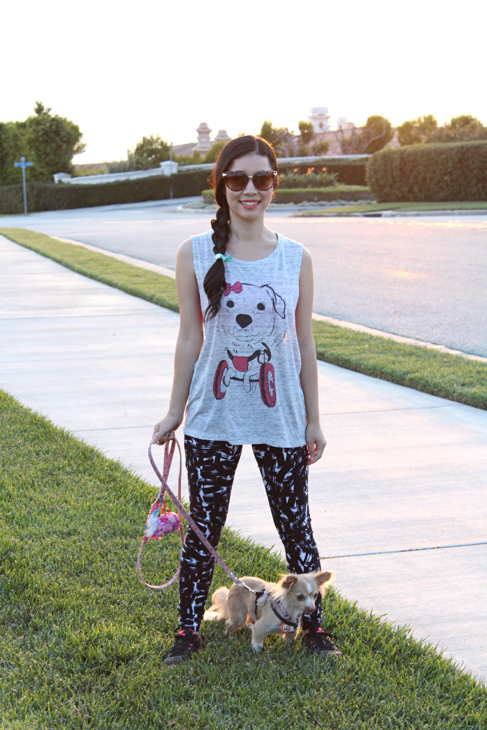 Walk your dog in our Daisy Underbite tank with some leggings.