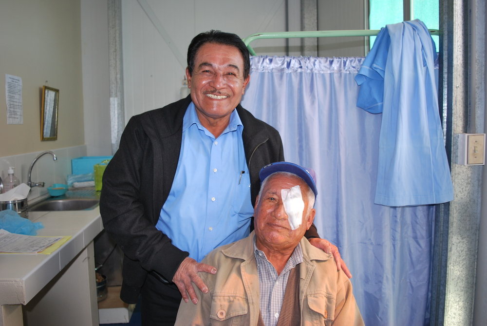 Rosendo Salazar Quispe and Dr. Mogullon who performed his cataract procedure.