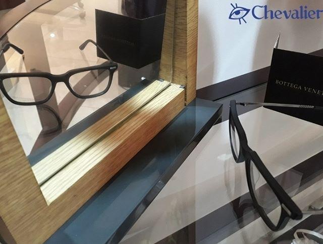 Resalta tu imagen con tus lentes #BottegaVeneta ¡Ideales para lucir única en la oficina!  #opticaschevalier #workday #panamá #pty